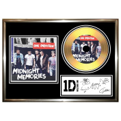ONE DIRECTION MIDNIGHT MEMORIES - SIGNED FRAMED GOLD VINYL CD & PHOTO DISPLAY