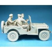 Miniart 1:35 - British Bantam 40 Brc W/ Crew - 135 Model Kit Staff Car Min35050