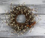 Pip Berry, Twig, & Star Wreath, 30cm - Ivory