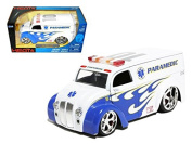 Jada 96237 Div Cruiser Bus Paramedics Ambulance 1/24 Diecast Model Car
