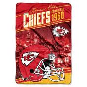 Northwest NFL Chiefs Oversized Super Plush 160cm x 230cm Blanket