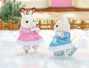 Sylvanian Families Ice Skating Friends Playset