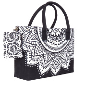 Black and White Trendy Beach Bag for perfect beach Holiday