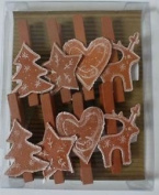 Gisela Graham Christmas Gingerbread Wooden Pegs Cards Bunting Clips Decoration
