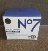 No7 Lift & Luminate Triple Action Day Cream - Spf 15 - 50ml - Hypo-allergeni