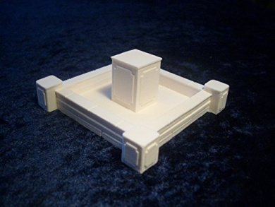 28mm Terrain Dungeon Accessories: Small Square Fountain