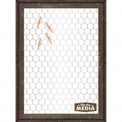 Mix The Media Wooden Framed Chicken Wire with 6 Clothespin Clips, 28cm x 38cm x 3.8cm