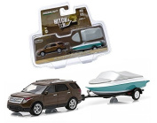 New 1:64 HITCH & TOW SERIES 4 - BROWN 2013 FORD EXPLORER AND BOAT WITH TRAILER Diecast Model Car By Greenlight