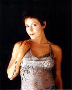 Alyssa Milano Autograph Signed 8 x 10 Photo