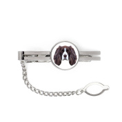 Springer Spaniel, tie pin, clip with an image of a dog, elegant, geometric