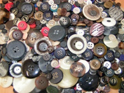 KosiKrafts 2 BAGS 100g Art & Craft Play, Sewing Buttons, ASSORTED COLOURS And Sizes