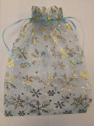 15 ORGANZA WEDDING PARTY favour BAGS CHRISTMAS SNOWFLAKES PATTERN 17 CM X 23 CM LIGHT BLUE