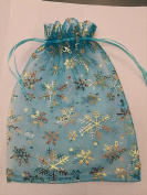 15 ORGANZA WEDDING PARTY favour BAGS CHRISTMAS SNOWFLAKES PATTERN 17 CM X 23 CM AQUA BLUE