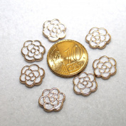 White Rose Metal Half Pearl Cabochon Flat Back Hotfix Knob 6 Pieces.