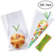 TOYMYTOY 200pcs Rectangle And Triangle Clear Cellophane Bags OPP Plastic Bags Cookie Bakery Candy Biscuit Lollipop Treat Gift Bags With 200pcs Ribbons for Wedding Christmas Holiday Party