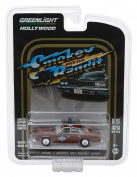 Sheriff Buford T. Justice's 1977 Pontiac Lemans Smokey and the Bandit Movie (1977) Hollywood Series 18 1/64 Diecast Model Car by Greenlight 44780 B