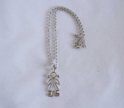 Pendant Girl in Silver. . 72H. Delivery in Mailbox