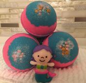 The Mermaid Bath Bomb Toy Mermaid inside 130ml Glitter bath bomb One bath bomb